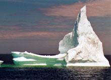 Почему айсберги не тонут в морской воде?
