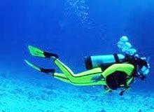 Как видят водолазы под водой?
