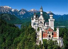 Кто построил первый замок?