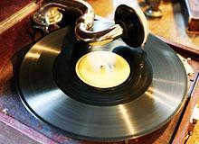 Кто изобрел первую граммофонную пластинку?