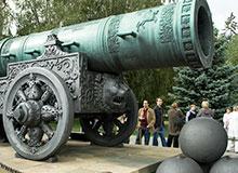 Что старее Царь-пушка или Царь-колокол?