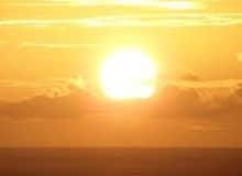 Светит ли солнце все время одинаково?