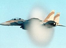Как самолет преодолевает звуковой барьер?