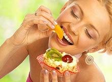 Что организм делает с пищей?