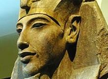 Эхнатон фото и его сын Тутанхамон.