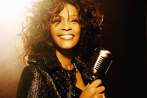 Краткая биография Уитни Хьюстон. Как развивалась карьера знаменитой певицы Whitney Houston.