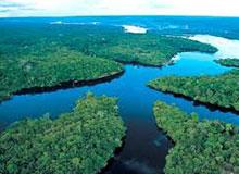 Почему река Амазонка так называется?