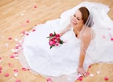 Как свадебное платье стало белым?