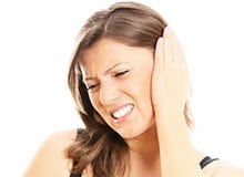 Отчего могут болеть уши?