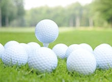 Почему на мячах для гольфа имеются дырки?