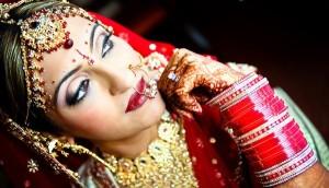 Носят ли замужние индианки обручальные кольца?
