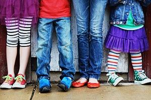 Где можно купить удобную обувь для детей и взрослых? Качественная детская обувь как выбрать.