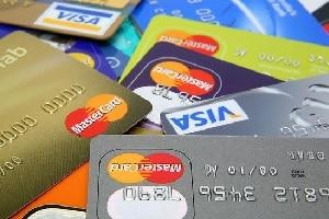 В чем преимущества пластиковых карт. Зачем использовать кредитную карту, а не наличные.